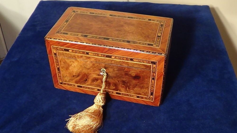 A SUPERB VICTORIAN ,BURR WALNUT INLAID TEA CADDY CIRCA 1870