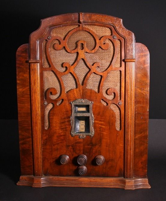Zenith model 715 Tombstone radio. In 1933 it sold for $49.95.