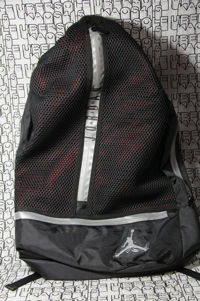 2122c6e5029b NEW Nike Air Jordan Laptop Backpack retro Gym Sac Bag Silver Black 9A1782-023  3M  Clothing