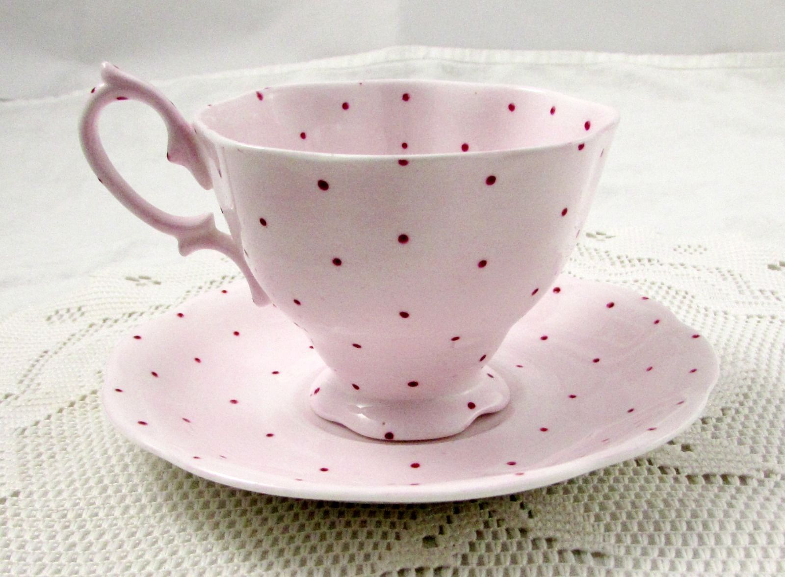 Royal Albert Pink Polka Dot Tea Cup And Saucer Vintage Royal Albert Ebay Vaisselle Service A The Art De La Table