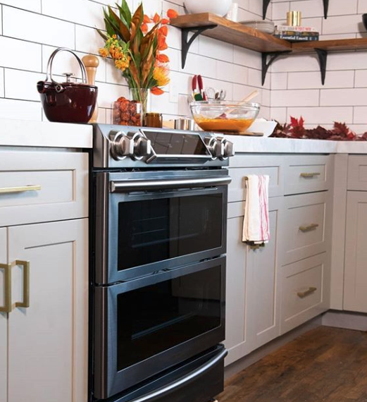 Two Ovens Or One You Choose Flexduo Range With Dual Door Gives You Ultimate Flexibility So You Can Use A Fu Small Kitchen Appliances Small Oven Stoves Range