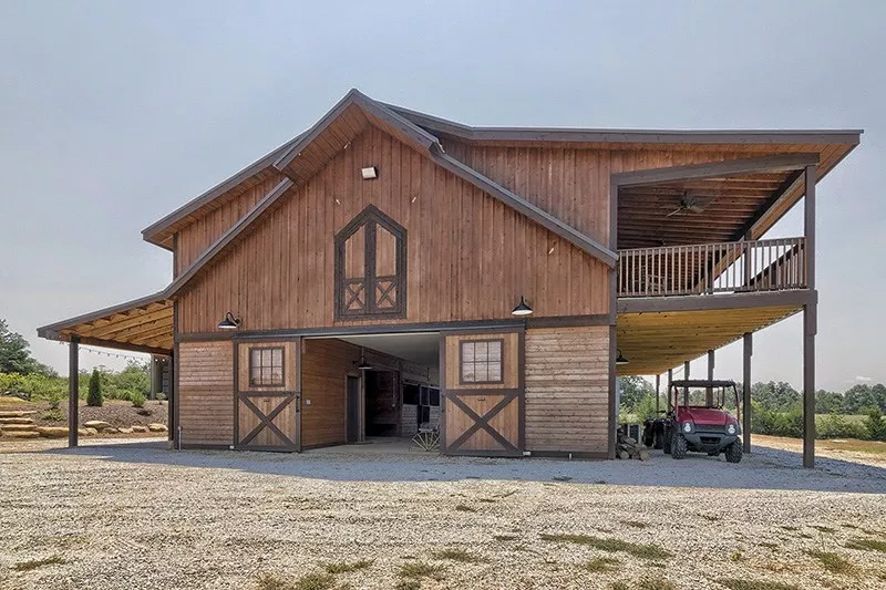 Tour a Six Stall Barn with Luxurious Living Quarters STABLE STYLE