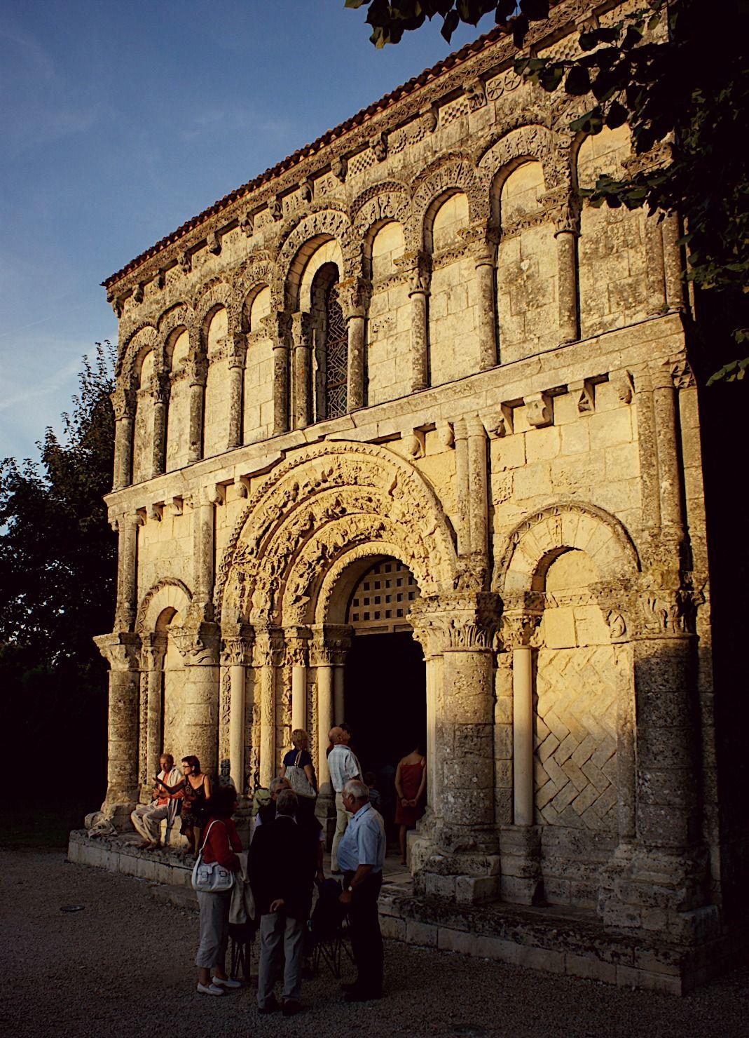 #Eglise romane #Echillais #RochefortOcean Charente Maritime Poitou Charentes