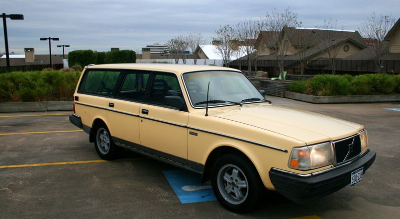 Introducing The Latest Jalopnik Side Project: Low-Mileage Volvo 245