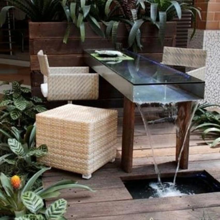 Wonderful Outdoor Dining Area Design And Decorating Ideas: Wonderful Outdoor Dining Table With Waterfall Design