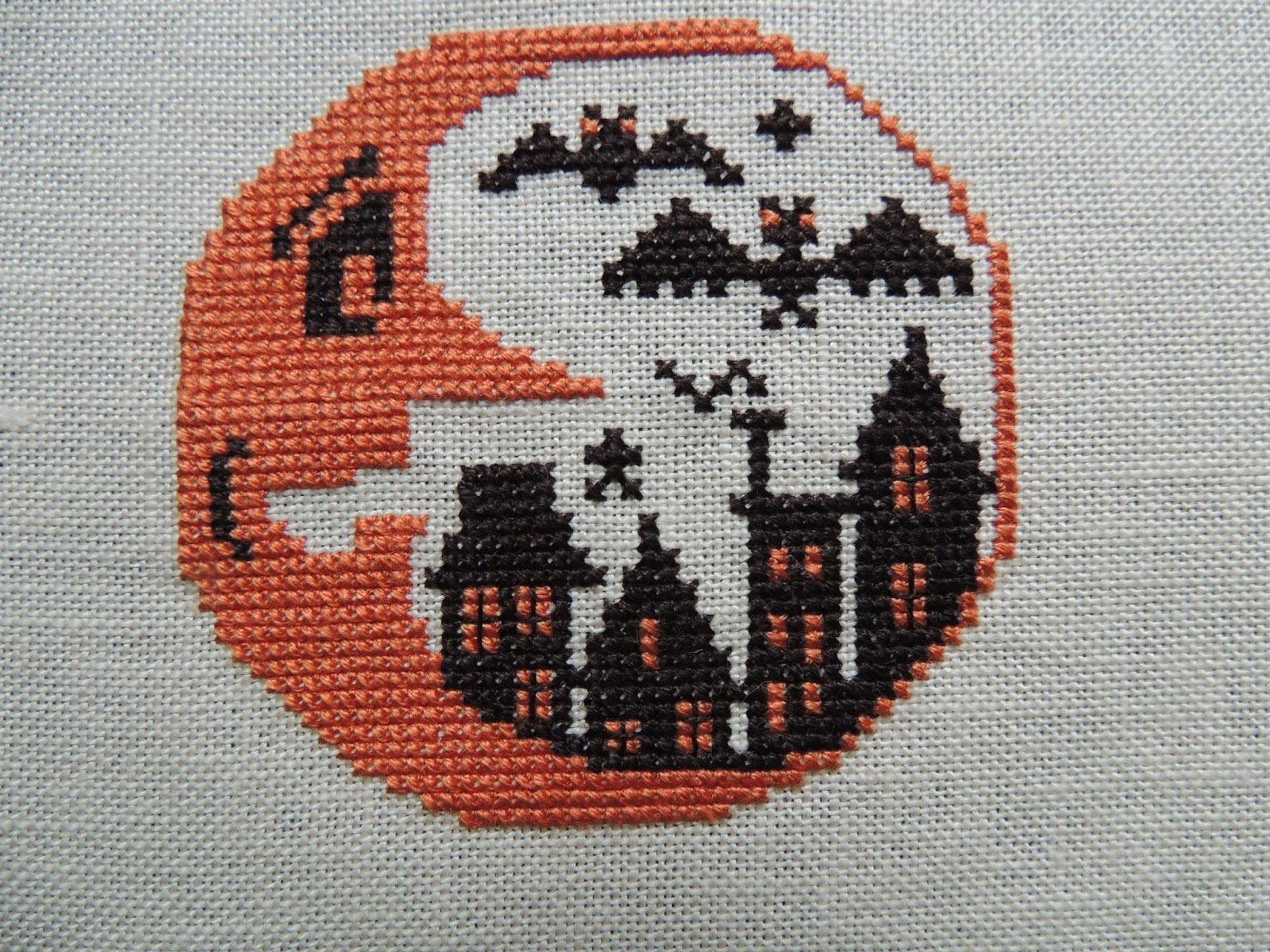 Boo Moon - The Prairie Schooler | Cross stitch | Halloween