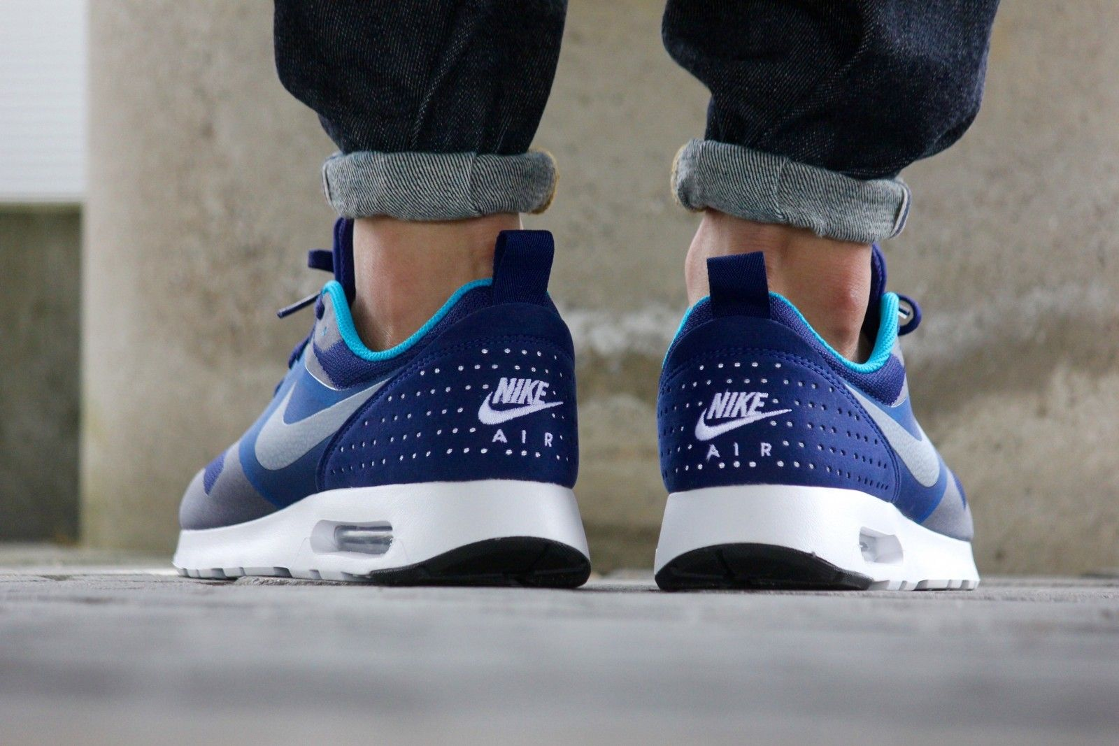 Nike Air Max Tavas Loyal Blue White Blue Lagoon 705149