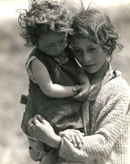 Sin título, flashofgod:   Marianne Breslauer, Children in...