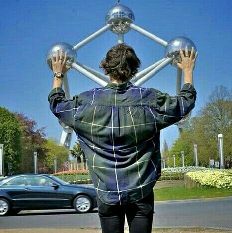 H. @ The Atomium in Brussels ❤