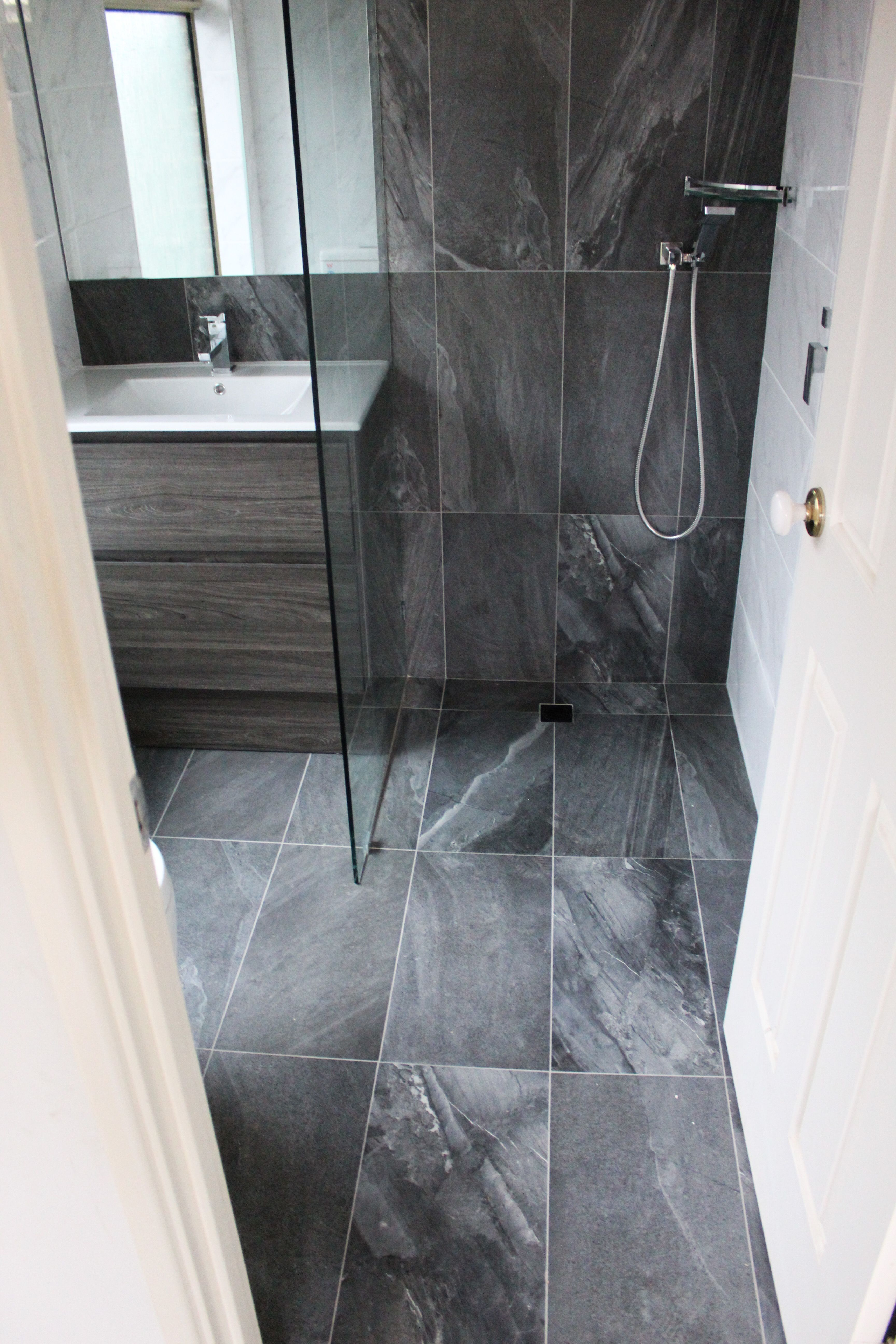 Small Ensuite Open Bathroom Design Small Small Dark Bathroom Small Bathroom