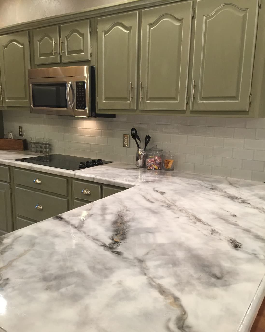 The Easiest Least Expensive Way To Get A Realistic Looking Faux Marble Countertop In 2020 Faux Marble Countertop Kitchen Design Diy Replacing Kitchen Countertops