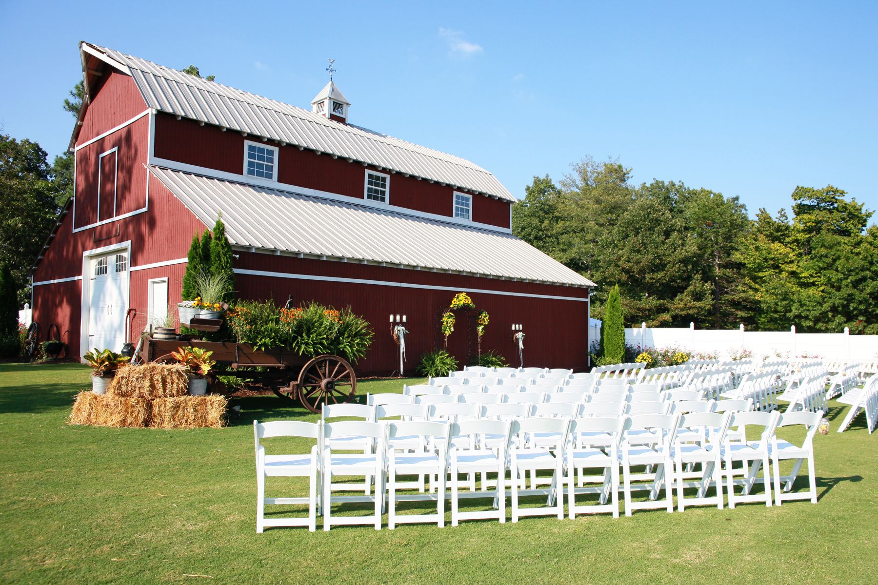 Barn Side Wedding At Mountain View