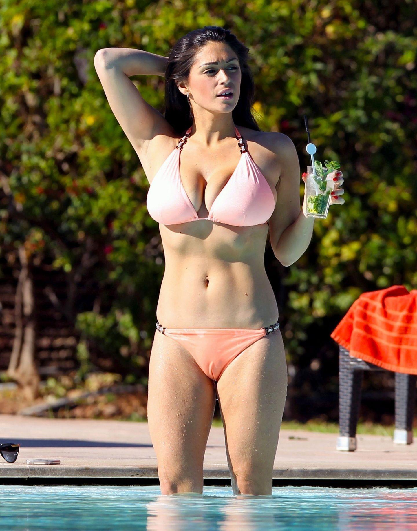 Paula Bulczynska Topless Sexy  photo