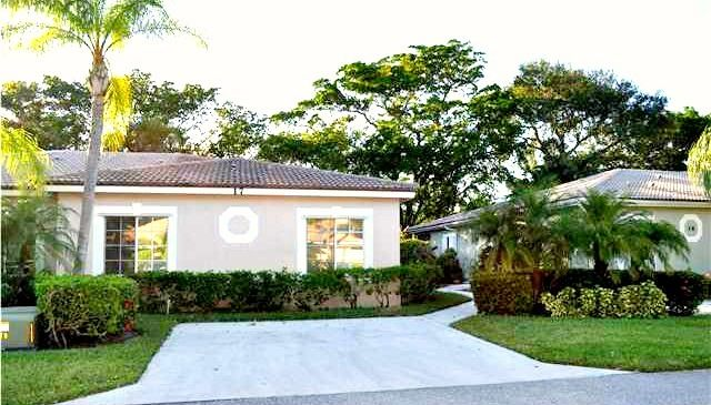 17 S Lakeshore Dr Lake Worth Fl For Sale Powered By Postlets Baths For Sale Palm Beach County Palm Beach