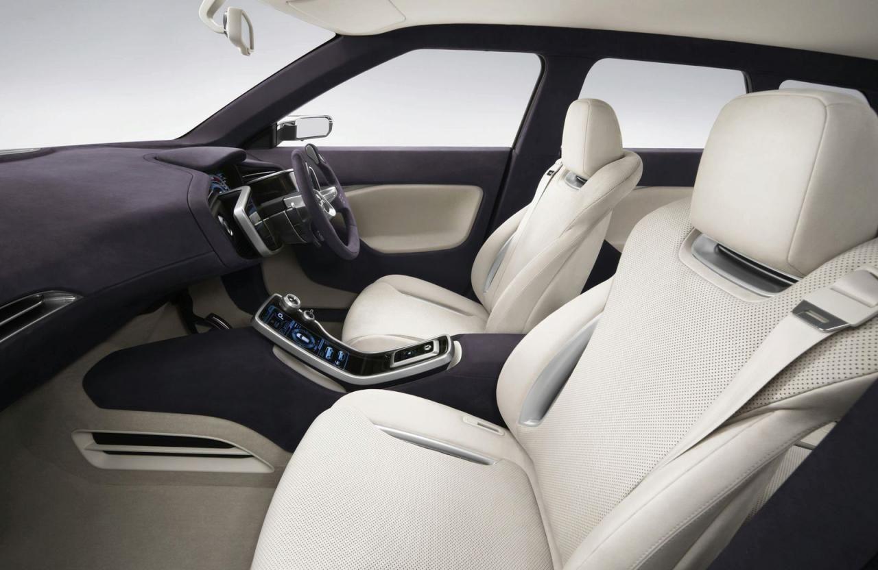 Гибридный Mitsubishi Outlander может появится в апреле