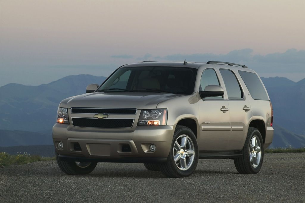 7 Best Towing Suvs For 20 000 Autotrader Com Chevy Tahoe