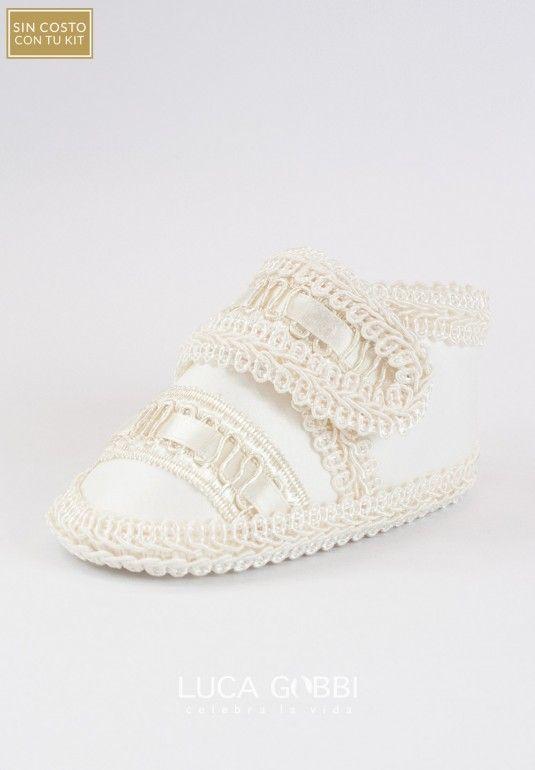 8113a8185 Zapato de bautizo para niño. Hecho a mano. Incluido sin costo en cualquier  kit de bautizo para niño.