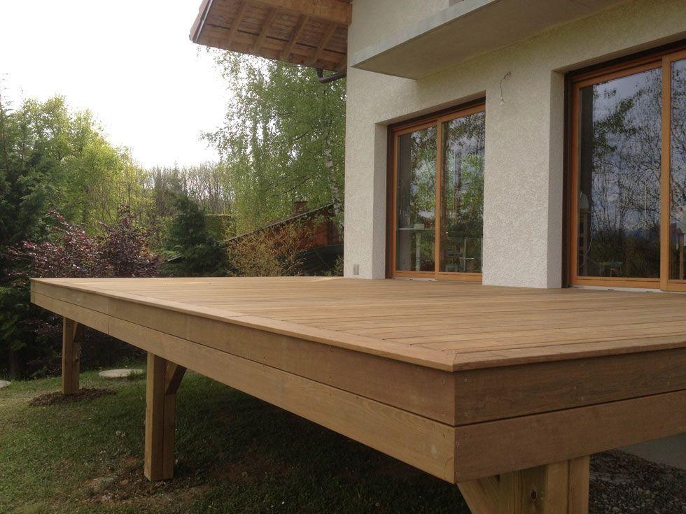 Terrasse en bois exotique (Ipé) sur pilotis et escalier Terrasse