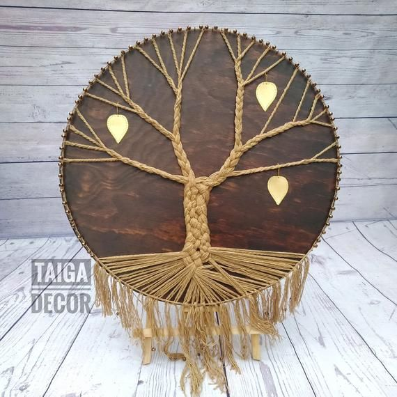 This Round Form Family Tree With Wooden Base Will Became A Decorative Favorite Wall Hanging Decor And I Art Murale En Bois Art Filaire Mur D Arbre Genealogique