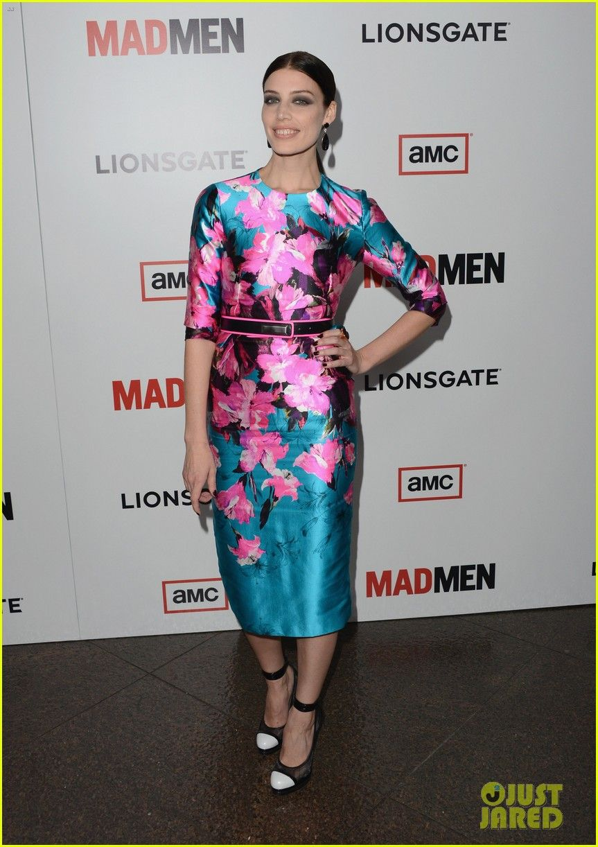 jessica par arrive at the premiere of amc 39 s 39 mad men 39 season 6 at dga theater on march 20 in. Black Bedroom Furniture Sets. Home Design Ideas