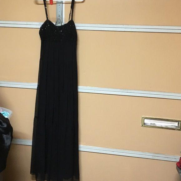 Bcbg maxAxria chiffon maxi dress large black Gorgeous flows perfect for summer BCBGMaxAzria Dresses Maxi