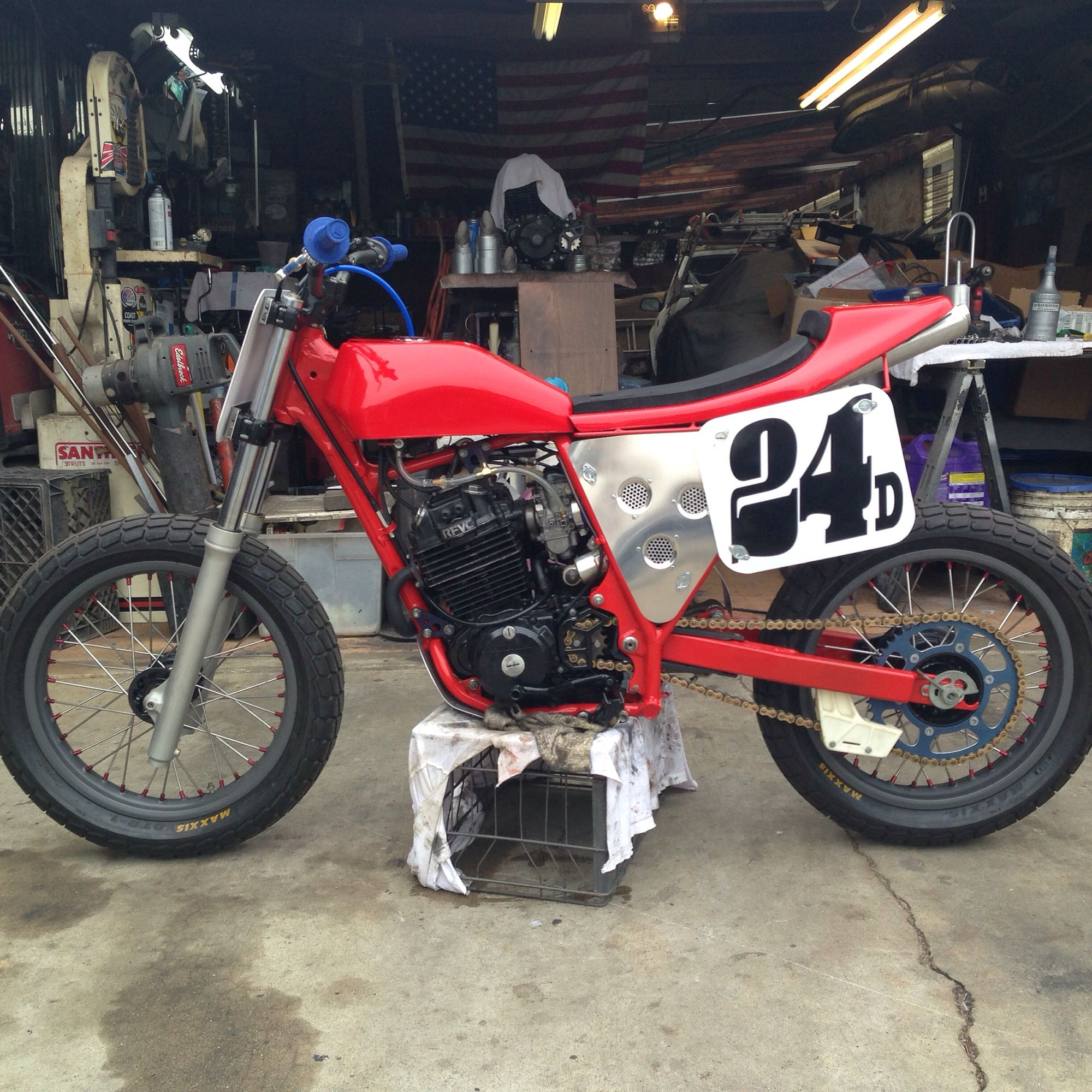 Xr200 dirt tracker xr200 dirt tracker pinterest honda and bike