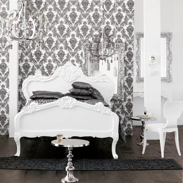 wunderschönes schlafzimmer mit einem weißen bett und mit grauen - schlafzimmer barock