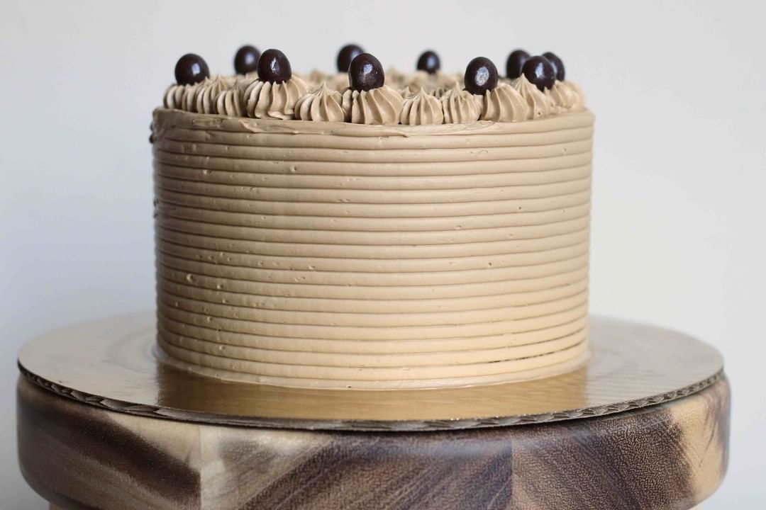 Saturday mornings are for coffee...layer cake covered in espresso Swiss meringue buttercream. . . . . . . %2