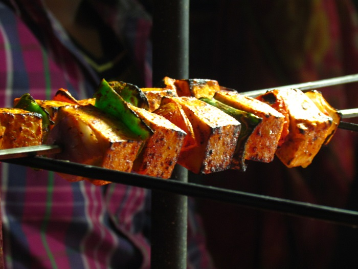 10 Delicious Street Foods To Consider For Wedding Catering In Delhi Food Street Food Food Photography