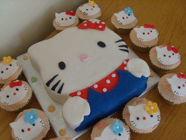Astonishing Hello Kitty Cake And Cupcakes Hello Kitty Cake Hello Kitty Personalised Birthday Cards Paralily Jamesorg