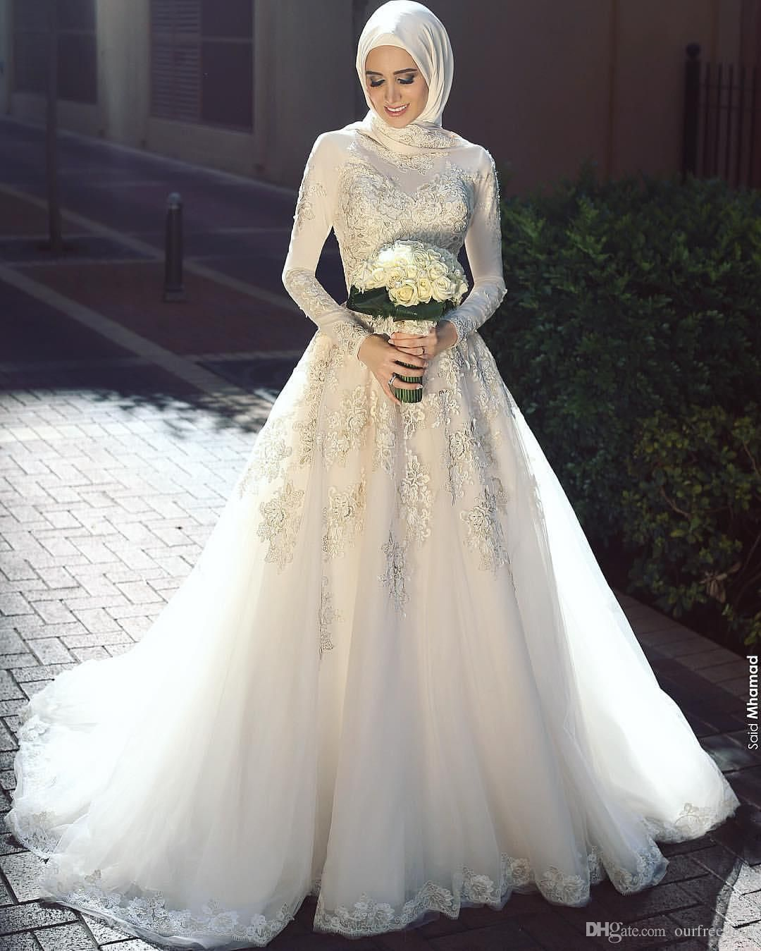 Elegant 2016 High Neck Lace Muslim Wedding Dresses Long Sleeve