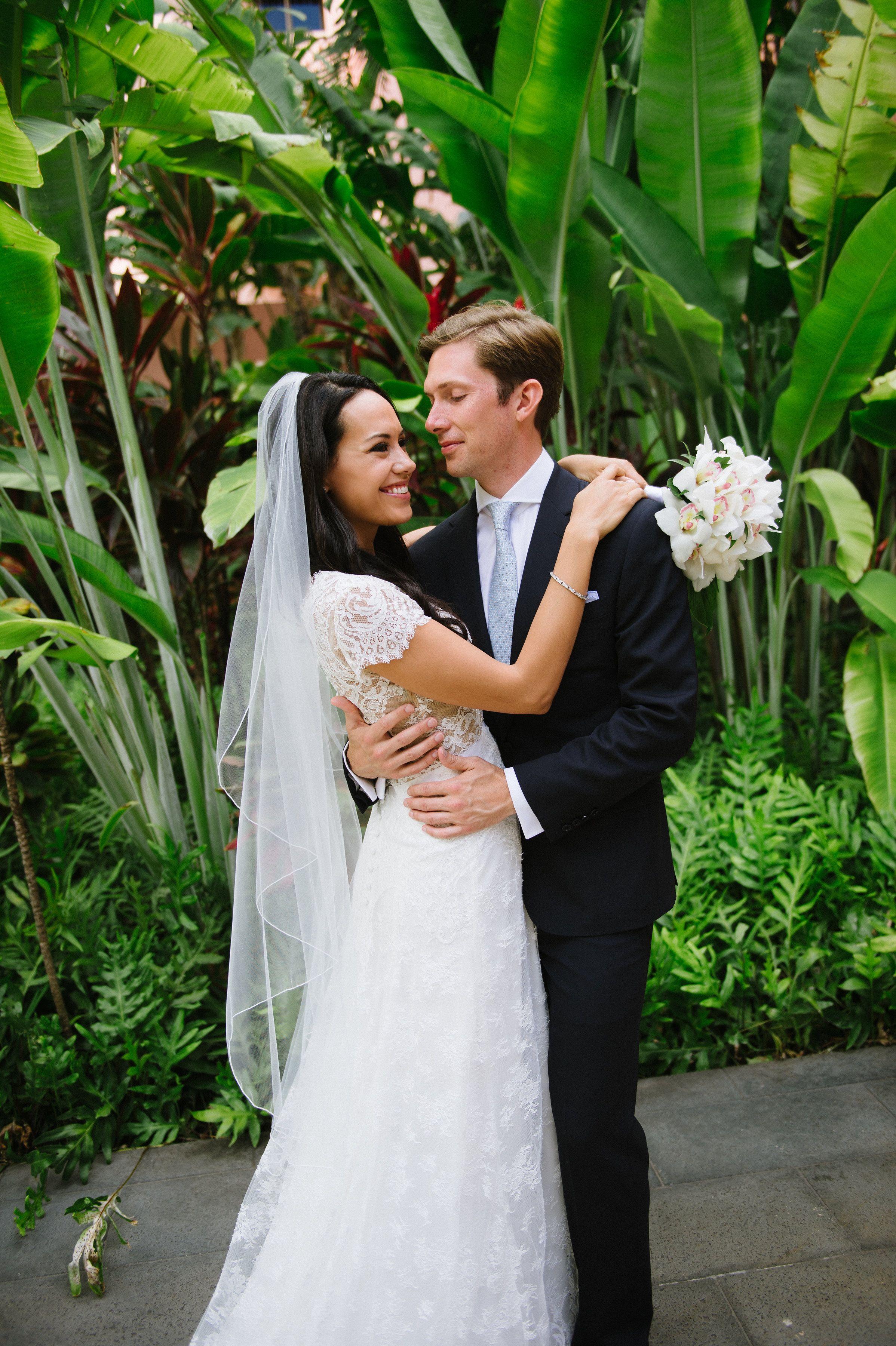 Hawaii wedding royal hawaiian wedding ceremony wedding bouquet hawaii wedding royal hawaiian wedding ceremony wedding bouquet flowers watanabe floral junglespirit Gallery