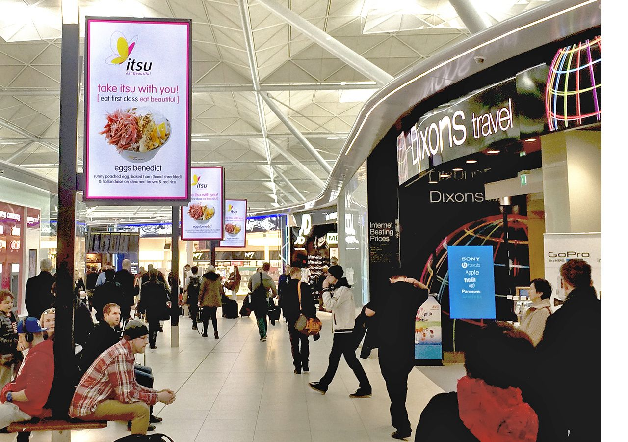 Dooh Advertising Entices Travelers At Stansted Screenmedia Daily Digital Signage Digital Signage Solutions London Stansted Airport