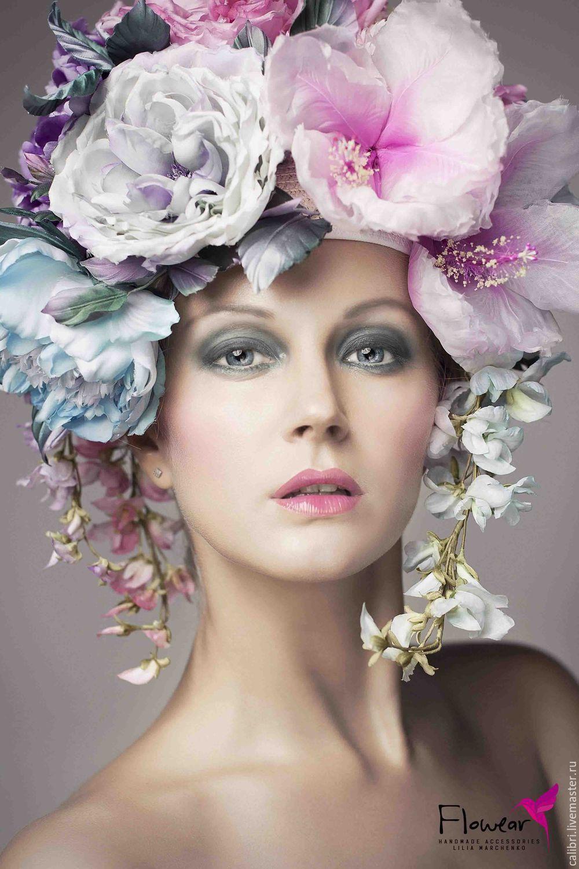 """Цветочная шапка - с фирменным наименованием - """"FloWear"""" - как шелковая феерия - 4 нежнейших пиона, 5 староанглийских пышных роз, 2 гибискуса - как экзотическая нотка и 3 ветки глицинии. Полностью ручная работа!"""