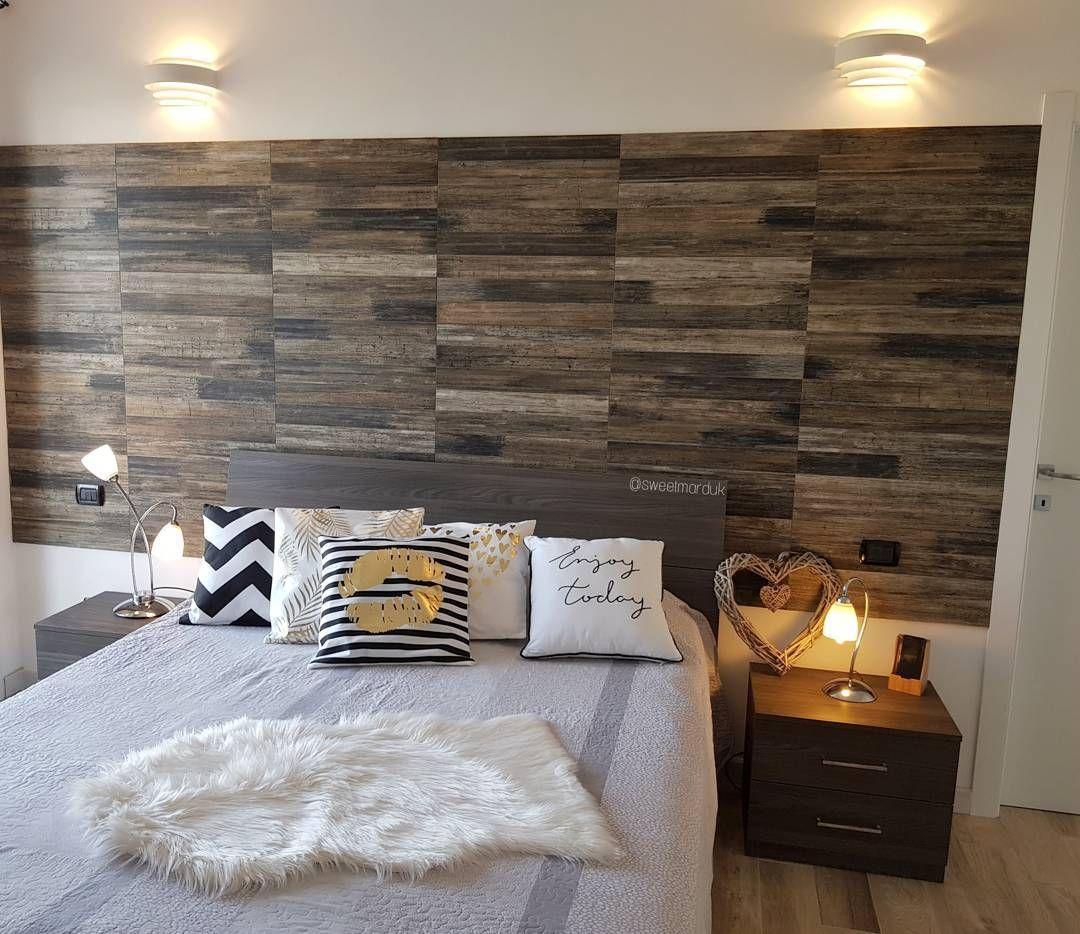 Parete Dietro Letto Idee rivestimento effetto legno parete dietro al letto, stile