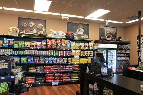 Like The Pictures On Top Pet Store Shelving Pet Store Design Pet Shops Store