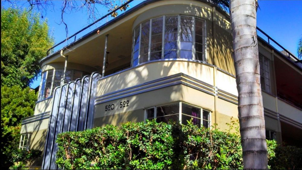 Dreamy Streamline Moderne Apartment is up for Rent
