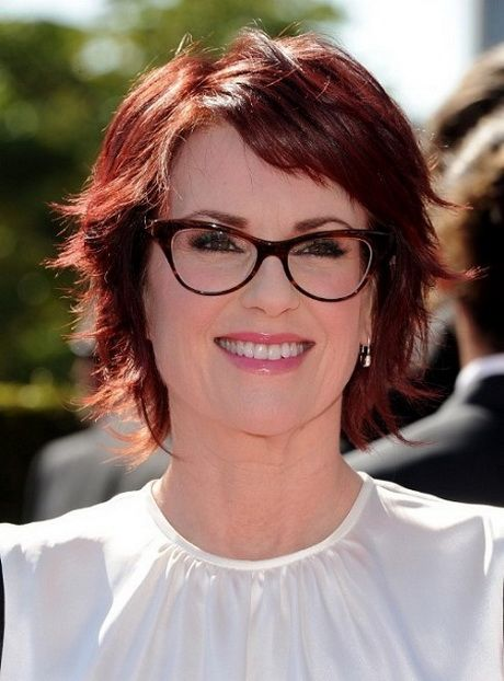 Hairstyles For Women Above 50 With Fine Hair And Glasses Hairstyle For Women Short Hair With Layers Womens Hairstyles Hair Styles For Women Over 50