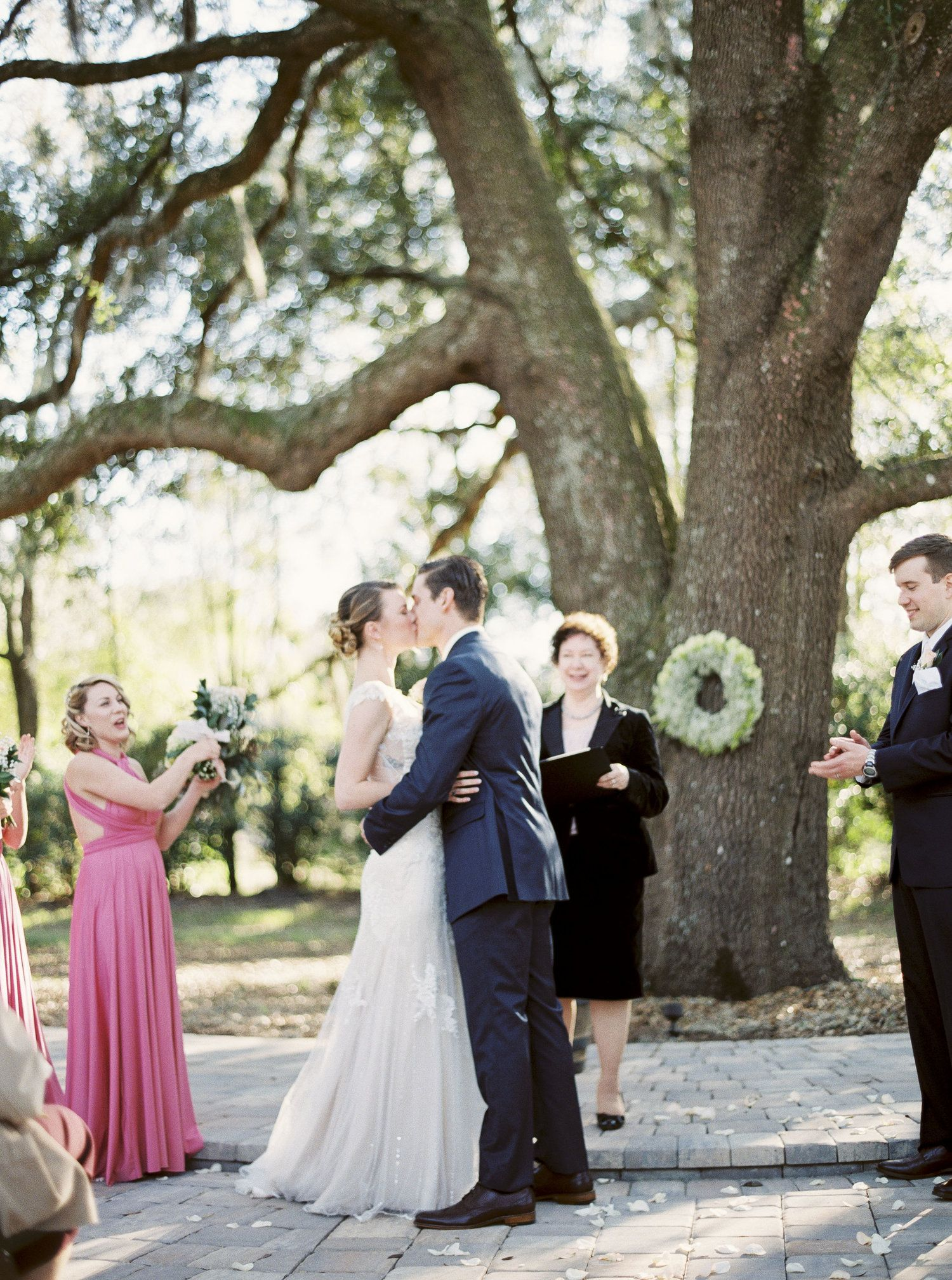 Whenus the best time to get married outside for amazing photos