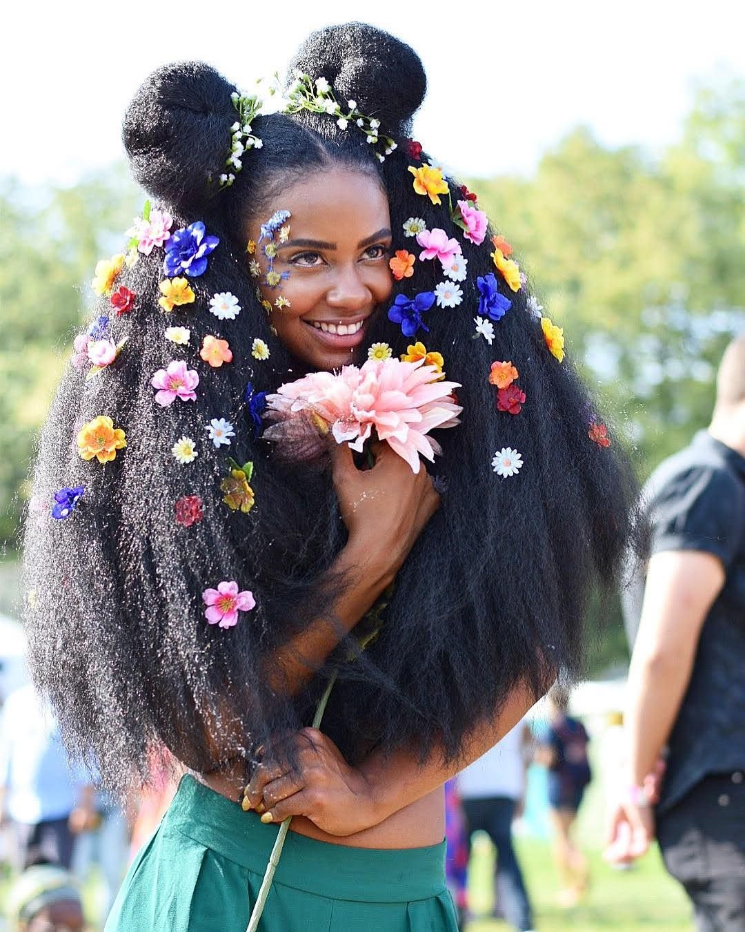 Natural Black Girl Fashion: Flowers In Her Hair (With Images)
