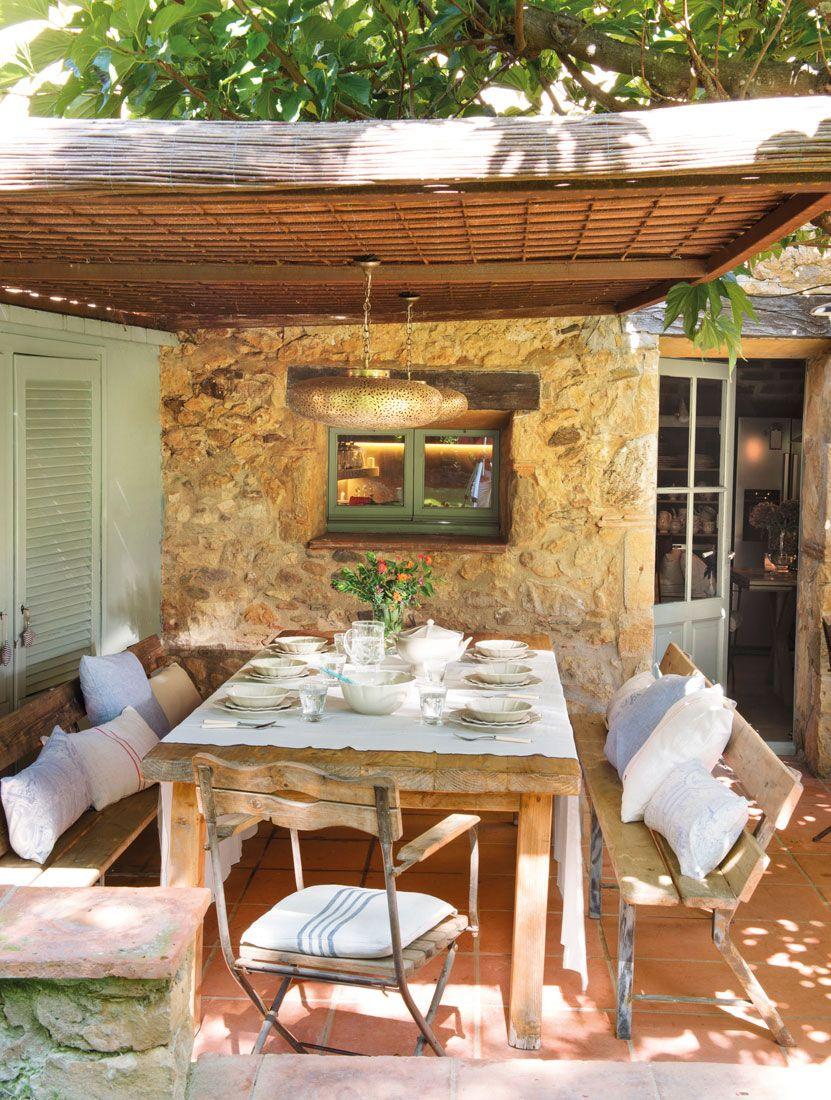 Porche con p rgola de ca izo y mesa comedor madera 469358 - Canizo para jardin ...