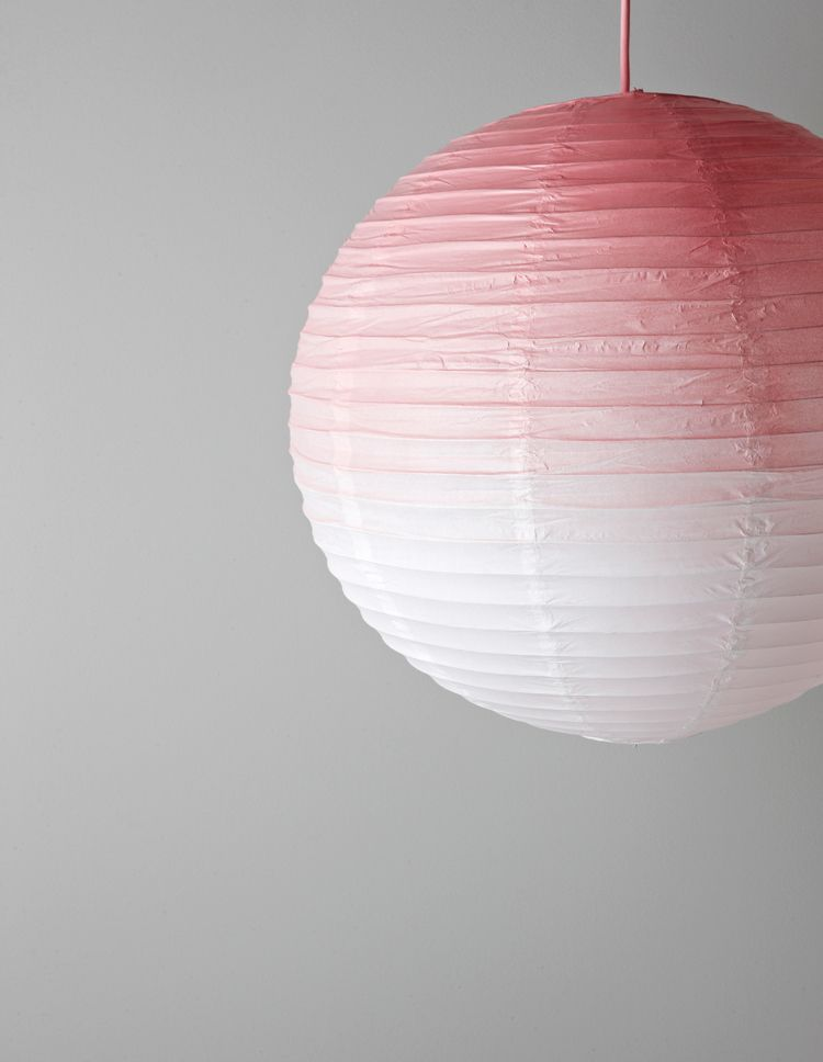 DIY: GRADIENT-DYED LAMPSHADE