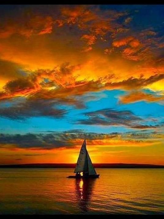 Spectacular Sunset | Amazing Sky | Via Suburban Men #sailboats