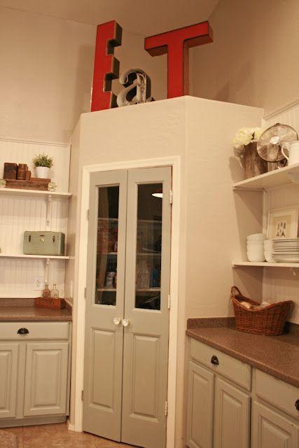eck speisekammer mit doppelt r k che pinterest speisekammer wohnung k che und haus k chen. Black Bedroom Furniture Sets. Home Design Ideas