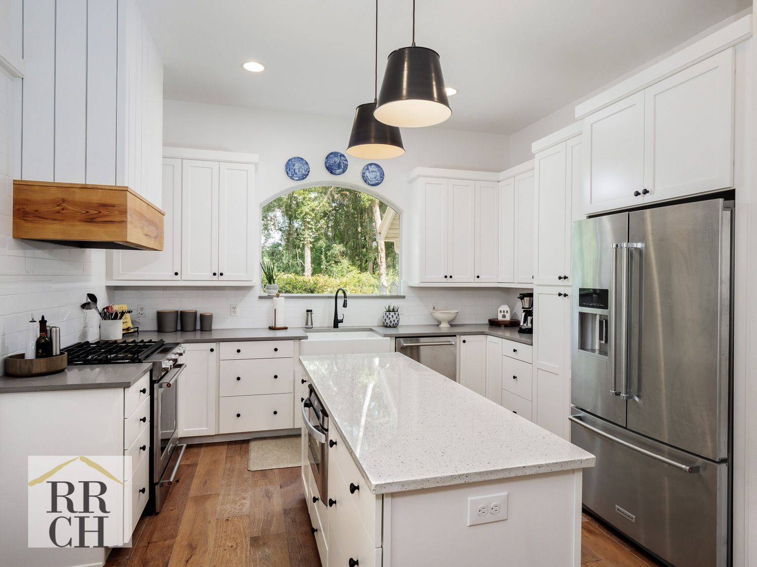 Kitchen Waypoint Living Spaces Painted Linen Cabinets With Iced