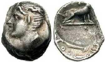 108.Αργυρός στατήρας Κυδωνίας, 3ος αι. π.Χ.,, με Κύδωνα και τη λύκαινα, την τροφό του.