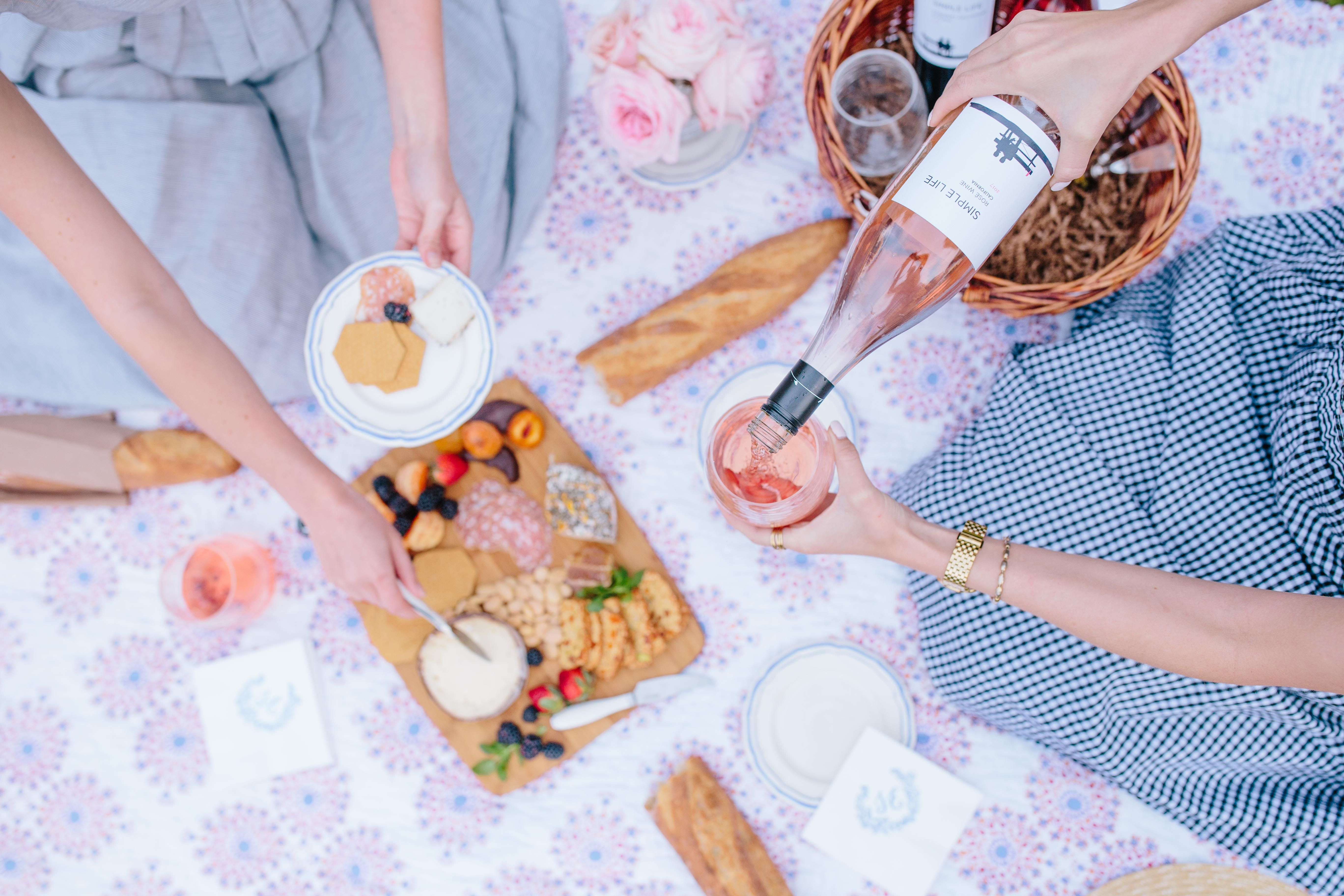 Wine And Cheese Picnic In The Park Rhyme Reason Blog Best Wine To Drink Favorite Wine Picnic In The Park