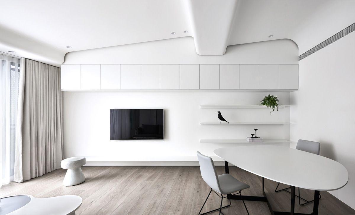 Two Modern Minimalist Homes That Indulge In Lots Of White White Interior Design Interior Design Degree Minimalist Home