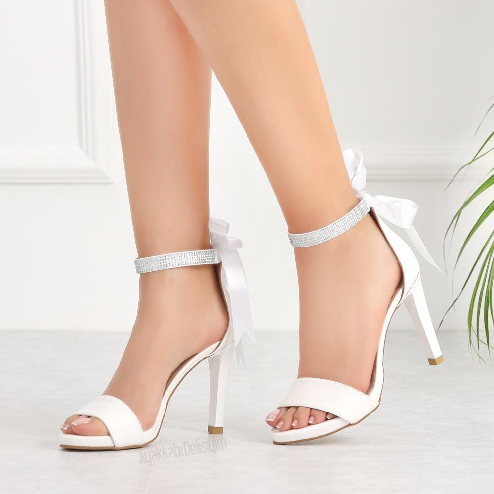 Alisa Beyaz Tasli Ince Topuklu Kadin Ayakkabi Topuklular Topuklu Ayakkabilar Ayakkabilar