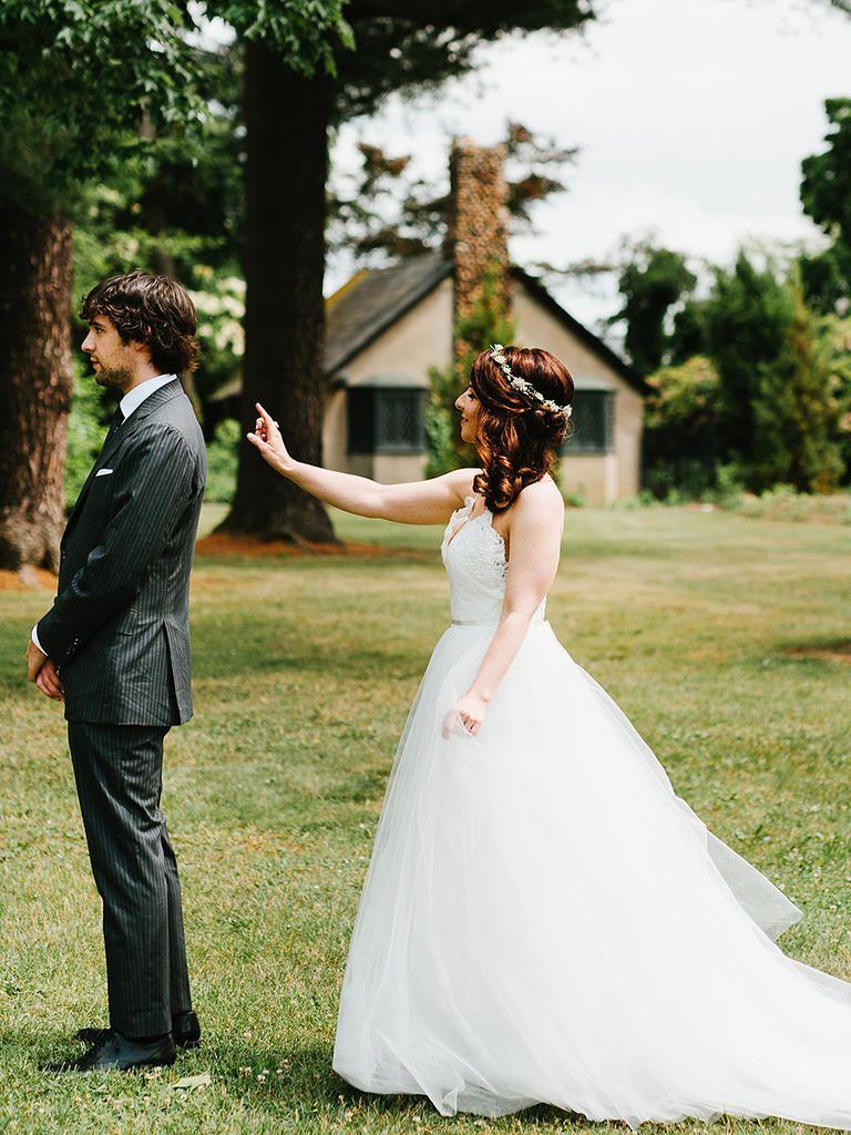 15 Pose Ideas for Your Wedding Photos Wedding